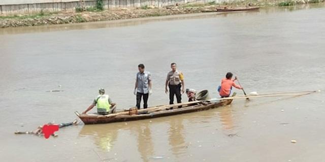 IMG-Mayat Perempuan Tanpa Identitas Ngambang di Sungai Cisadane