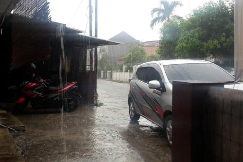 Hujan Turun Warga Kota Serang Bersuka Cita