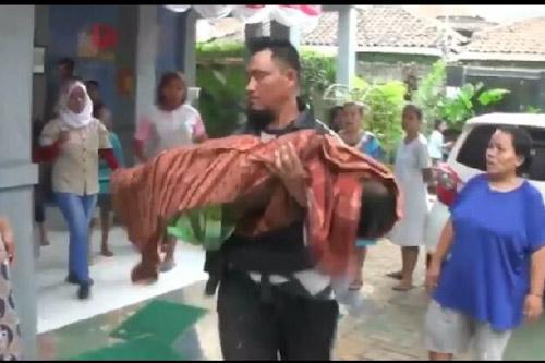 Keluarga Korban Tenggelam Cisadane Kecewa Pelayanan Ambulan Kota Tangerang