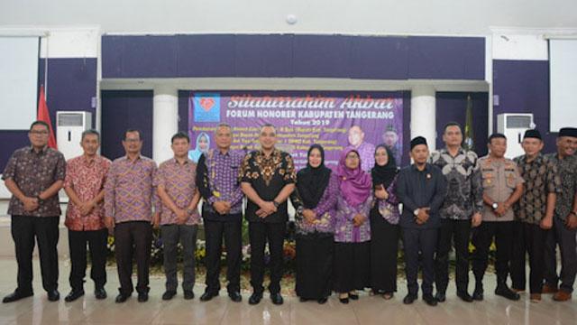 Bupati Tangerang Minta Tenaga Honorer Bantu Pendidikan dan Kesehatan