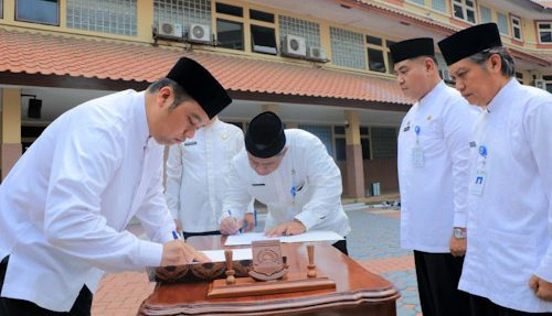 Arief Lantik 20 Pejabat Esselon Baru