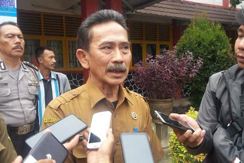 Kepala Sekolah SMK N 4 Kota Serang Yadi Supriyadi