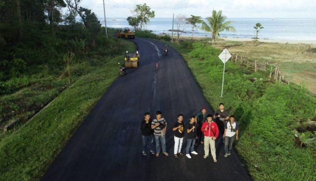 Ruas Jalan Arah Tanjung Lesung Telah Diaspal