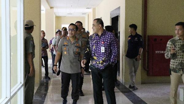 Foto Bupati dan Kapolresta Tangerang Tinjau Gedung Polres Baru