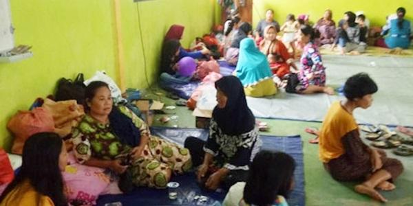 Foto Pengungsi Banjir Lebak