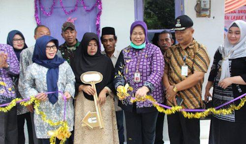 Kadis Koperasi Kabupaten Tangerang Resmikan Renovasi Rumah Layak Huni di Cisoka