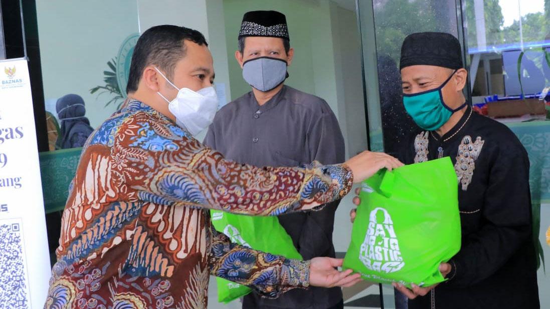 1.658 Amil dan Marbot Dapat Bantuan Sembako