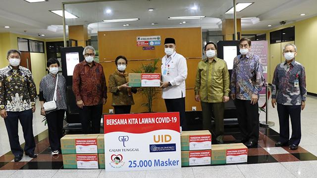 Bantu Tangani Pandemi Covid-19, Gajah Tunggal Serahkan 25 Ribu Masker ke Pemkab Tangerang