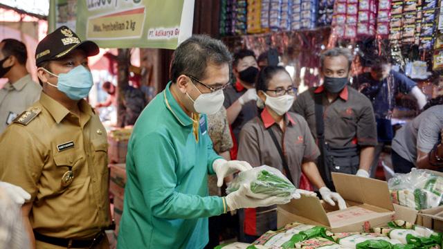Cek Harga di Pasar Tangerang, Mendag Pasok 24 Ton Gula Setiap Hari