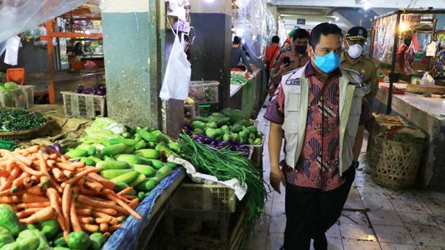 Pedagang Tidak Patuh PSBB, Walikota Arief Ancam Tutup Pasar Bandeng