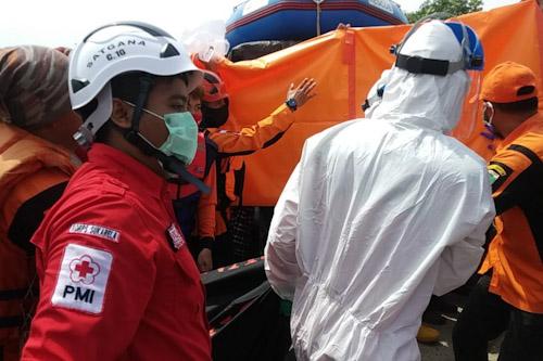 Nelayan Bojonegara Temukan Warga Cilegon Yang Hanyut Saat Banjir