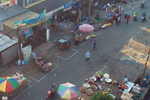 Pasar Anyar Tangerang Berlakukan Physical Distancing Cegah Covid-19