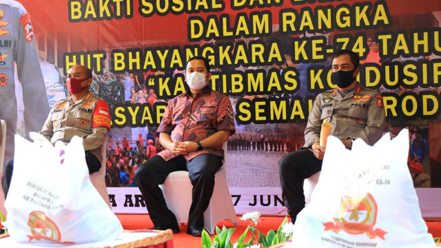 HUT Bhayangkara Ke-74, Polisi Bagikan Ribuan Sembako
