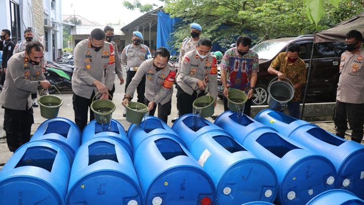 Jaga Ketahanan Pangan Masyarakat, Polresta Tangerang Tebar 3.400 Benih Ikan Lele