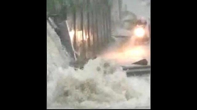 Tanggul Pabrik PT Hamparan Jebol, Warga Cikupa Kebanjiran